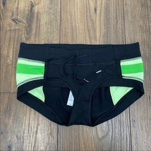 Lululemon Heat it Up shorts